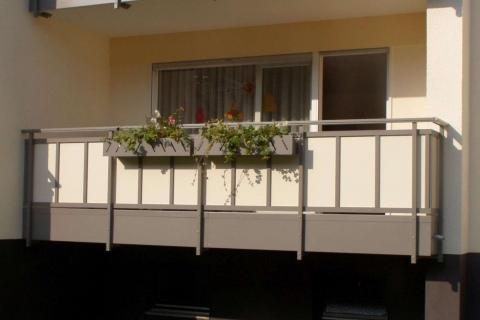 GS027-Aluminium-Balkone-Balkongelaender-Rieb-Balkone-Wartungsfrei-Gelaender-Nie-mehr-Streichen