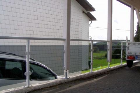 G030-Glas-Aluminium-Balkone-Balkongelaender-Rieb-Balkone-Wartungsfrei-Gelaender-Nie-mehr-Streichen