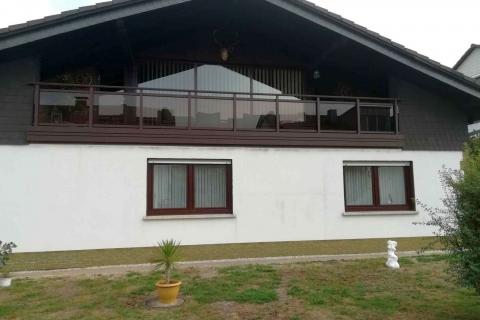 G038-Glas-Aluminium-Balkone-Balkongelaender-Rieb-Balkone-Wartungsfrei-Gelaender-Nie-mehr-Streichen