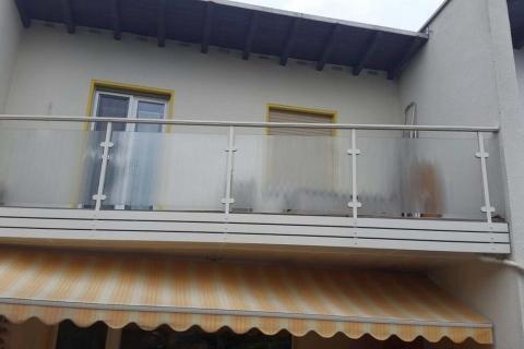 G041-Glas-Aluminium-Balkone-Balkongelaender-Rieb-Balkone-Wartungsfrei-Gelaender-Nie-mehr-Streichen