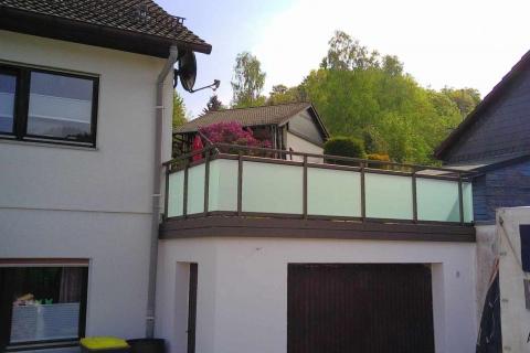 G045-Glas-Aluminium-Balkone-Balkongelaender-Rieb-Balkone-Wartungsfrei-Gelaender-Nie-mehr-Streichen