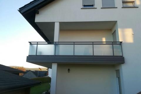 G191-Glas-Aluminium-Balkone-Balkongelaender-Rieb-Balkone-Wartungsfrei-Gelaender-Nie-mehr-Streichen