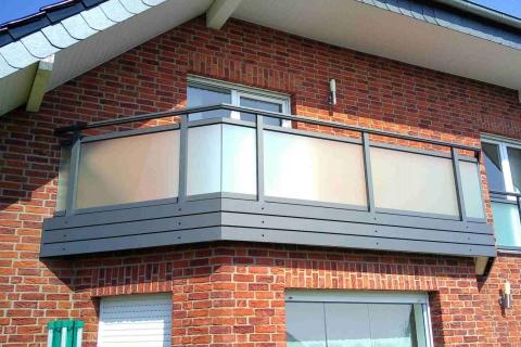 G197-Glas-Aluminium-Balkone-Balkongelaender-Rieb-Balkone-Wartungsfrei-Gelaender-Nie-mehr-Streichen