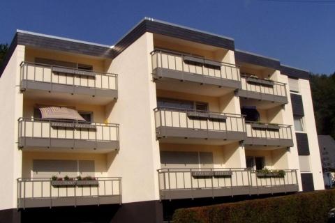 M019-Aluminium-Balkone-Balkongelaender-Rieb-Balkone-Wartungsfrei-Gelaender-Nie-mehr-Streichen