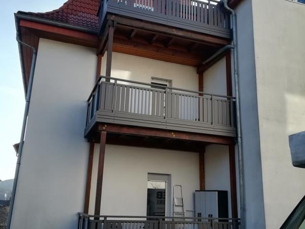 R010-MFH-Rieb-Balkone-Geländer-Aluminium-Wartungsfrei-Balkongeländer-Renovierung-Witterungsbeständig.jpg