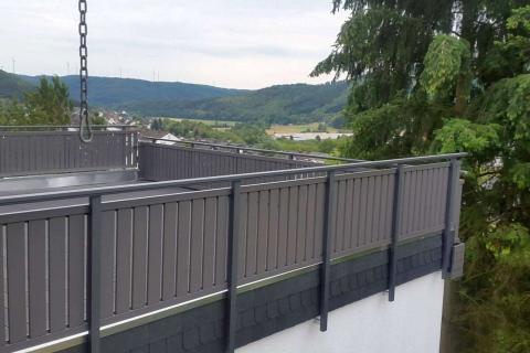 S179-Aluminium-Balkone-Balkongelaender-Rieb-Balkone-Wartungsfrei-Gelaender-Nie-mehr-Streichen