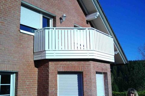 S180-Aluminium-Balkone-Balkongelaender-Rieb-Balkone-Wartungsfrei-Gelaender-Nie-mehr-Streichen