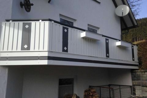 S193-Aluminium-Balkone-Balkongelaender-Rieb-Balkone-Wartungsfrei-Gelaender-Nie-mehr-Streichen
