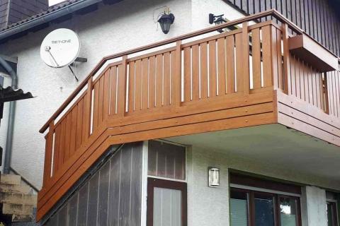T018-Aluminium-Balkone-Balkongelaender-Rieb-Balkone-Wartungsfrei-Gelaender-Nie-mehr-Streichen