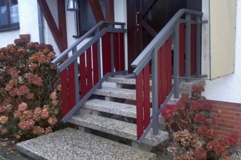 T020-Aluminium-Balkone-Balkongelaender-Rieb-Balkone-Wartungsfrei-Gelaender-Nie-mehr-Streichen