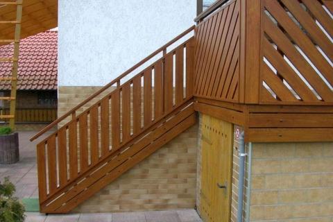 T021-Aluminium-Balkone-Balkongelaender-Rieb-Balkone-Wartungsfrei-Gelaender-Nie-mehr-Streichen