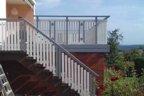 T022-Aluminium-Balkone-Balkongelaender-Rieb-Balkone-Wartungsfrei-Gelaender-Nie-mehr-Streichen