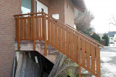 T024-Aluminium-Balkone-Balkongelaender-Rieb-Balkone-Wartungsfrei-Gelaender-Nie-mehr-Streichen
