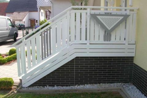 T025-Aluminium-Balkone-Balkongelaender-Rieb-Balkone-Wartungsfrei-Gelaender-Nie-mehr-Streichen