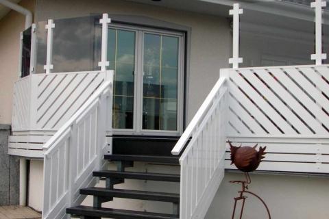 T033-Aluminium-Balkone-Balkongelaender-Rieb-Balkone-Wartungsfrei-Gelaender-Nie-mehr-Streichen