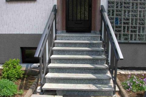 T042-Aluminium-Balkone-Balkongelaender-Rieb-Balkone-Wartungsfrei-Gelaender-Nie-mehr-Streichen