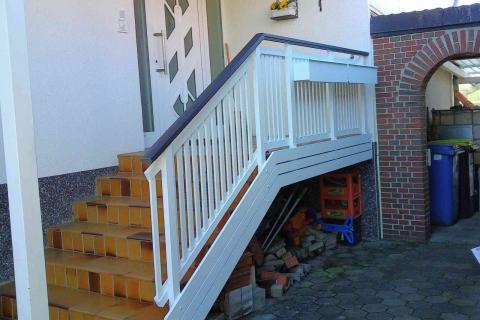 T051-Aluminium-Balkone-Balkongelaender-Rieb-Balkone-Wartungsfrei-Gelaender-Nie-mehr-Streichen