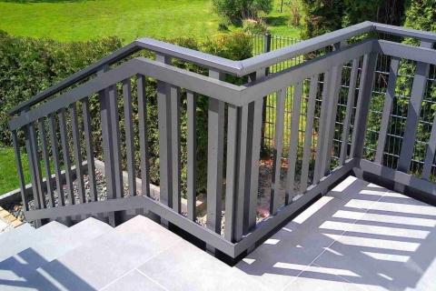 T198-Aluminium-Balkone-Balkongelaender-Rieb-Balkone-Wartungsfrei-Gelaender-Nie-mehr-Streichen