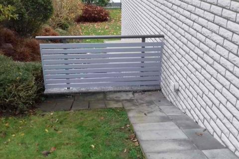 W017-Waagerecht-Aluminium-Balkone-Balkongelaender-Rieb-Balkone-Wartungsfrei-Gelaender-Nie-mehr-Streichen