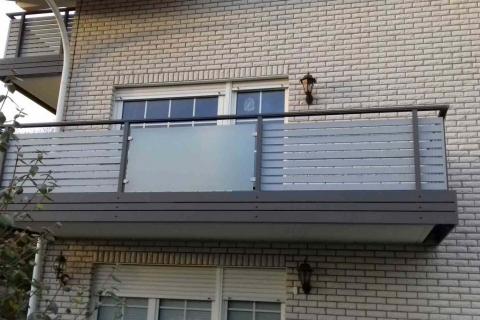 W022-Waagerecht-Aluminium-Balkone-Balkongelaender-Rieb-Balkone-Wartungsfrei-Gelaender-Nie-mehr-Streichen