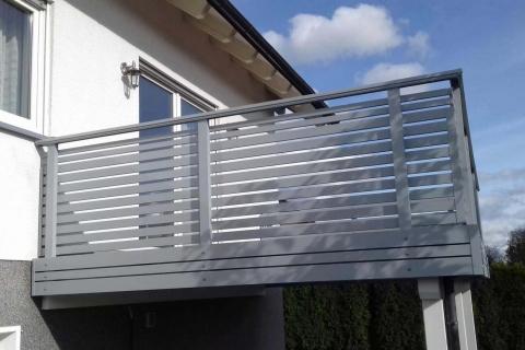 W023-Waagerecht-Aluminium-Balkone-Balkongelaender-Rieb-Balkone-Wartungsfrei-Gelaender-Nie-mehr-Streichen
