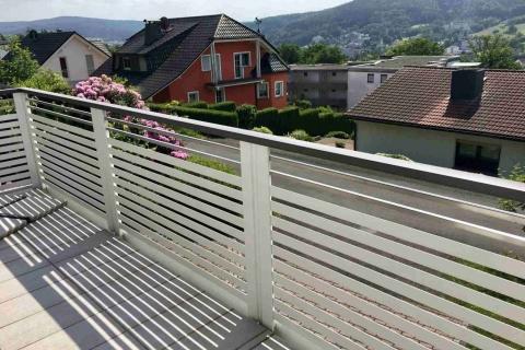 W025-Waagerecht-Aluminium-Balkone-Balkongelaender-Rieb-Balkone-Wartungsfrei-Gelaender-Nie-mehr-Streichen