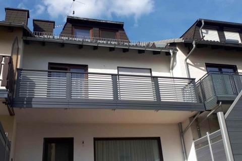 W027-Waagerecht-Aluminium-Balkone-Balkongelaender-Rieb-Balkone-Wartungsfrei-Gelaender-Nie-mehr-Streichen