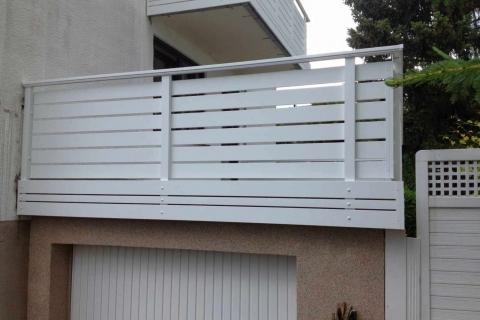 W030-Waagerecht-Aluminium-Balkone-Balkongelaender-Rieb-Balkone-Wartungsfrei-Gelaender-Nie-mehr-Streichen
