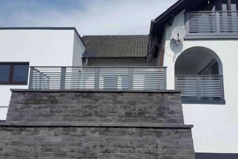 W175-Waagerecht-Aluminium-Balkone-Balkongelaender-Rieb-Balkone-Wartungsfrei-Gelaender-Nie-mehr-Streichen