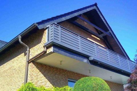 W186-Waagerecht-Aluminium-Balkone-Balkongelaender-Rieb-Balkone-Wartungsfrei-Gelaender-Nie-mehr-Streichen