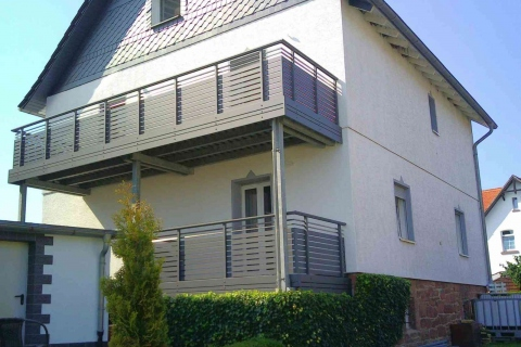 W194-Waagerecht-Aluminium-Balkone-Balkongelaender-Rieb-Balkone-Wartungsfrei-Gelaender-Nie-mehr-Streichen