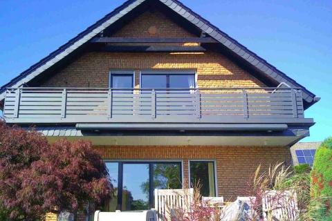 W200-Waagerecht-Aluminium-Balkone-Balkongelaender-Rieb-Balkone-Wartungsfrei-Gelaender-Nie-mehr-Streichen