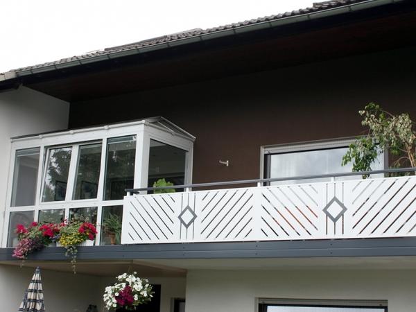 R006-Komination-Rieb-Balkone-Geländer-Aluminium-Wartungsf