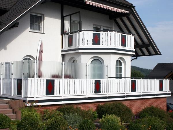 R020-System3000-Rieb-Balkone-Geländer-Aluminium-Wartungsfrei-Balkongeländer-Renovierung-Witterungsbeständig