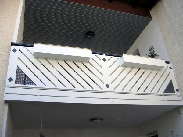 R038-Franken-Rieb-Balkone-Geländer-Aluminium-Wartungsfrei-Balkongeländer-Renovierung-Witterungsbeständig