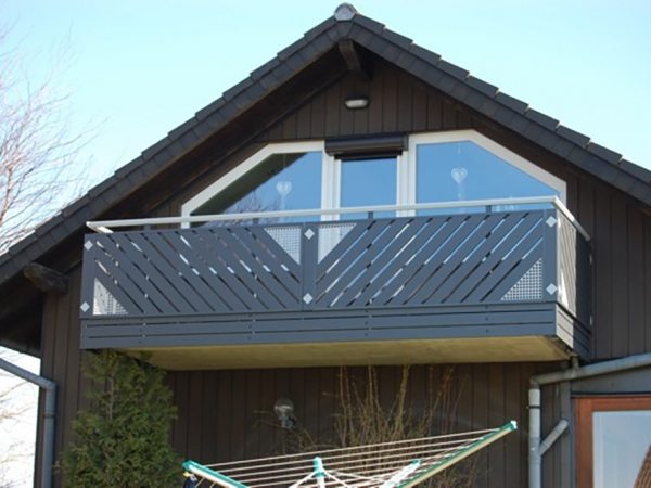 R053-Franken-Rieb-Balkone-Geländer-Aluminium-Wartungsfrei-Balkongeländer-Renovierung-Witterungsbeständig