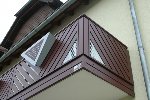 R057-Franken-Rieb-Balkone-Geländer-Aluminium-Wartungsfrei-Balkongeländer-Renovierung-Witterungsbeständig