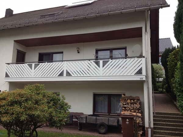 R076-Franken-Rieb-Balkone-Geländer-Aluminium-Wartungsfrei-Balkongeländer-Renovierung-Witterungsbeständig