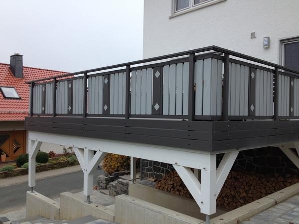R078-System3000-Rieb-Balkone-Geländer-Aluminium-Wartungsfrei-Balkongeländer-Renovierung-Witterungsbeständig