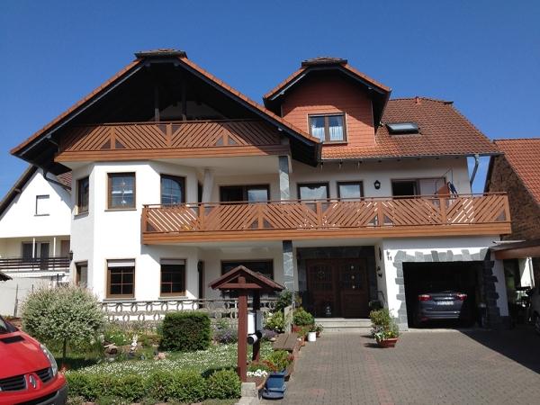 H001-Franken-Rieb-Balkone-Geländer-Aluminium-Wartungsfrei-Balkongeländer-Renovierung-Witterungsbeständig