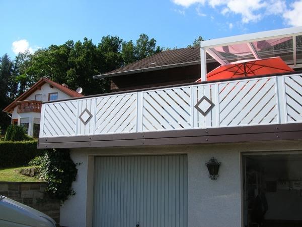 R016-Komination-Rieb-Balkone-Geländer-Aluminium-Wartungsf