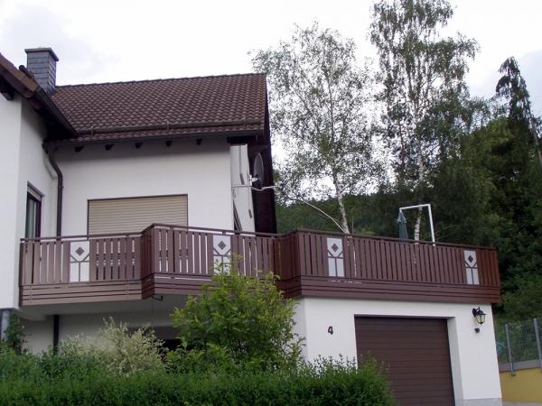 R027-Berlin-Rieb-Balkone-Geländer-Aluminium-Wartungsfrei-Balkongeländer-Renovierung-Witterungsbeständig.jpg