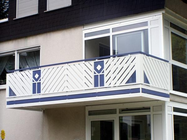 R027-Franken-Rieb-Balkone-Geländer-Aluminium-Wartungsfrei-Balkongeländer-Renovierung-Witterungsbeständig.jpg