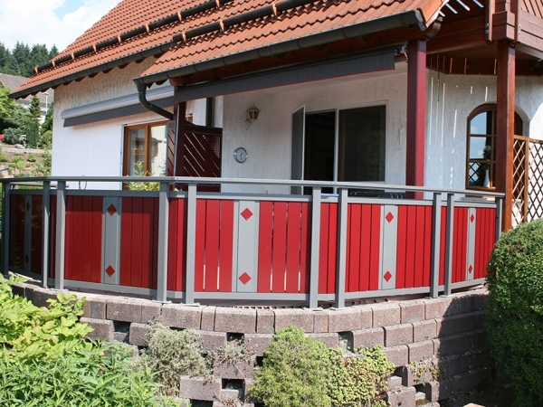 R032-System3000-Rieb-Balkone-Geländer-Aluminium-Wartungsfrei-Balkongeländer-Renovierung-Witterungsbeständig