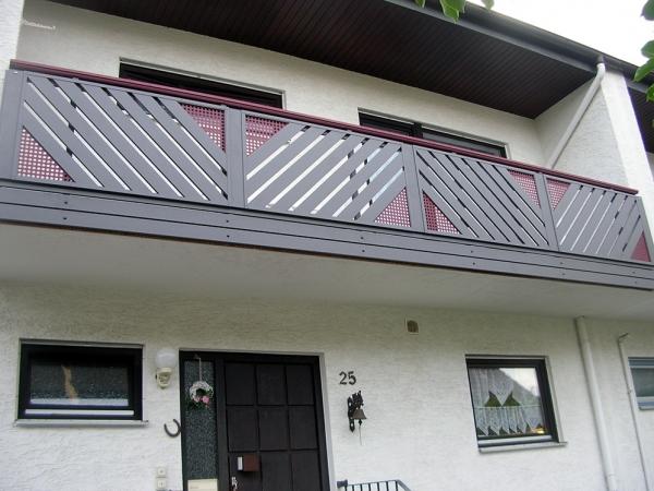 R040-Franken-Rieb-Balkone-Geländer-Aluminium-Wartungsfrei-Balkongeländer-Renovierung-Witterungsbeständig