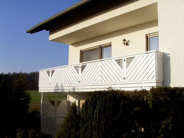 R046-Franken-Rieb-Balkone-Geländer-Aluminium-Wartungsfrei-Balkongeländer-Renovierung-Witterungsbeständig.jpg